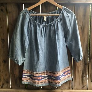 FREE WITH PURCHASE Lucky Brand size small top